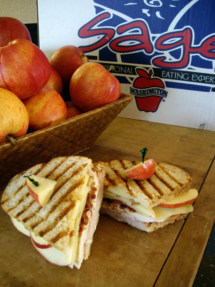recipe-bacon-apple-turkey-sandwich
