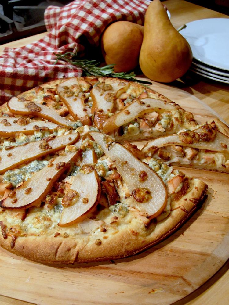 pear-chicken-pizza